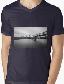 St Paul's Long Exposure Mens V-Neck T-Shirt
