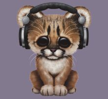 Cute Cougar Cub Dj Wearing Headphones on Blue Kids Tee