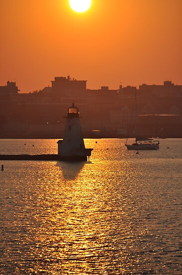 Lighthouse Sunset by Poete100
