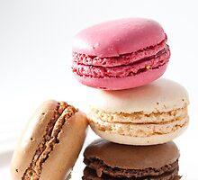 A stack of macaroons by nammo
