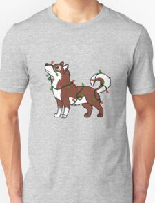 Red Alaskan Malamute with Red & Green Christmas Lights T-Shirt