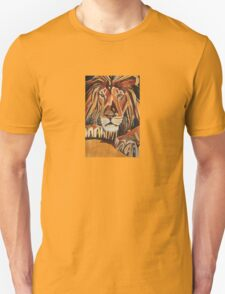 Relaxed Lion Portrait in Cubist Style T-Shirt
