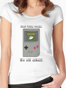 Old School Gameboy. Women's Fitted Scoop T-Shirt