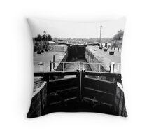 Beeston Lock, Beeston, Nottinghamshire Throw Pillow