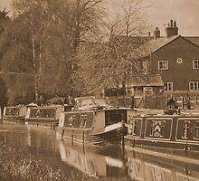 Barges on the Kennet and Avon Canal, Wiltshire. by SwampDogPhoto