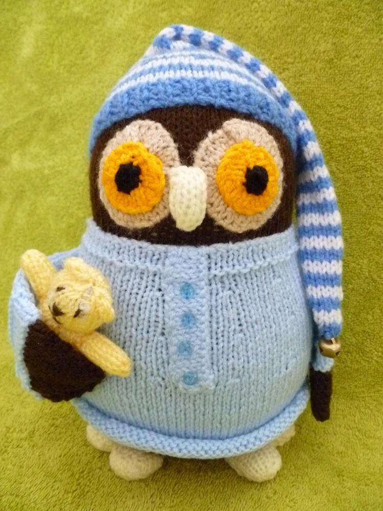Hand Knitted Owl by mrsmcvitty