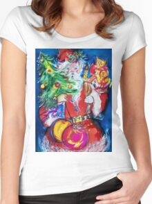 SANTA WITH CHRISTMAS TREE AND GIFTS Women's Fitted Scoop T-Shirt