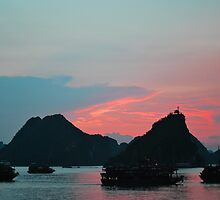 halong bay  by grostique