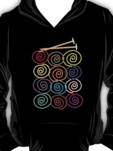 Colorful yarn balls with knitting needles T-Shirt