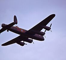 Lancaster Bomber 2 by yampy