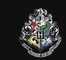 Hogwarts Crest by kippz07