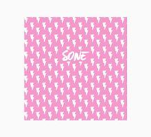 Girls' Generation (SNSD) 'SONE' Pink Bolt Classic T-Shirt