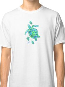 Sea Turtle with babies Classic T-Shirt