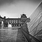 Musée du Louvre Pyramid by DavidONeill
