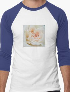 Close Up View Of A Romantic White Wedding Rose Men's Baseball ¾ T-Shirt