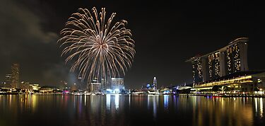 Singapore Marina Bay - National Day Fireworks