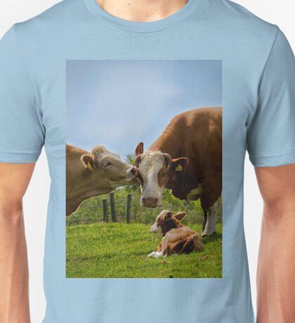 Kissin' cows Unisex T-Shirt