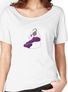 Chillin panda Women's Relaxed Fit T-Shirt