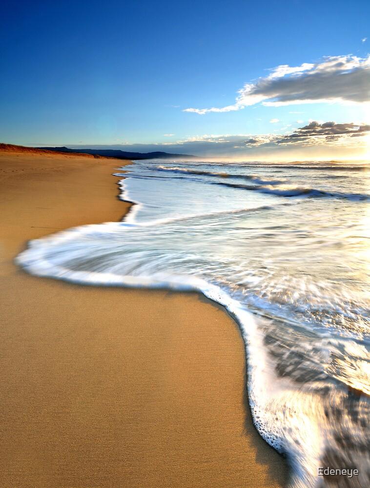 Seven mile Beach by Edeneye