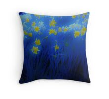 Narcisos (Daffodils) Throw Pillow
