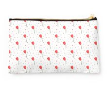 Red tulips pattern Studio Pouch