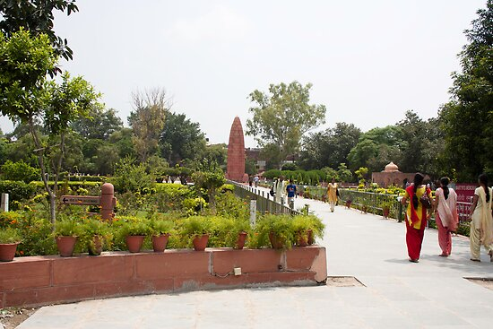 People inside Jallianwala Bagh by ashishagarwal74