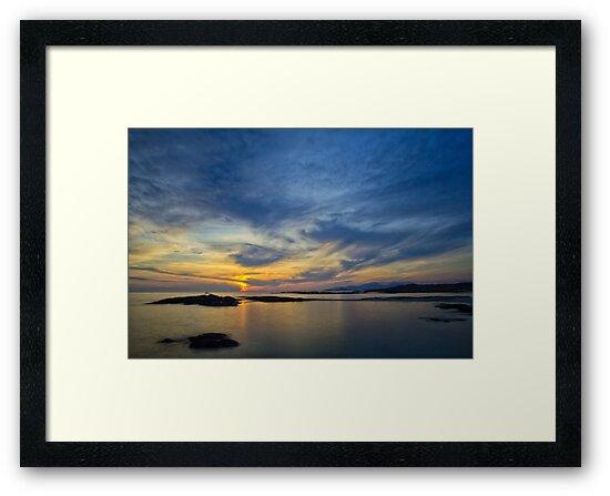 Sanna Bay Sunset by derekbeattie