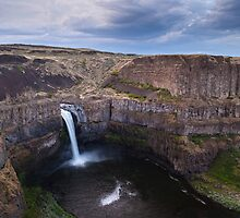 Palouse Falls by mikereid