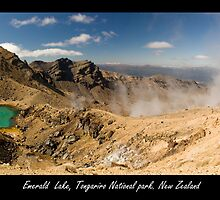 Emerald Lake at Tongariro Alpine Crossing by PePhotography