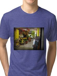 'Magical Cafe' in Totnes, Devon Tri-blend T-Shirt