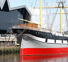 Riverside Museum Glasgow and the SV Glenlee by quoile