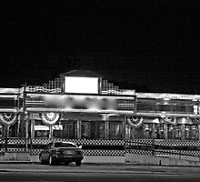 Diner at Night B&W by henuly1
