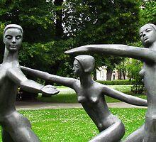 Peace Dance  by wiggyofipswich