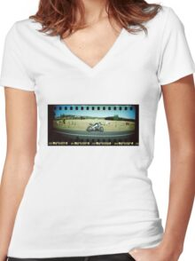 Curioso Cows Women's Fitted V-Neck T-Shirt