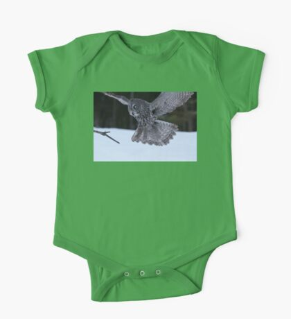 Great Grey Owl About to Land One Piece - Short Sleeve