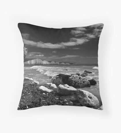Seven Sisters, East Sussex Throw Pillow