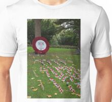 City of London Poppy Wreath outside St Pauls Cathedral in London Unisex T-Shirt