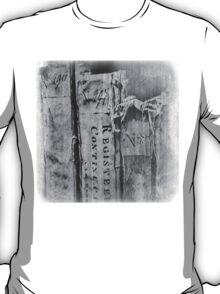 Faded Books - Antiek  T-Shirt