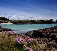 Clachtoll Bay and Split Rock by derekbeattie