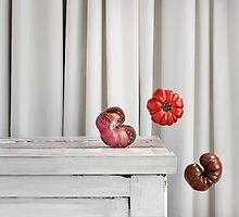 Still Moment with Heritage Tomatoes by sramacher