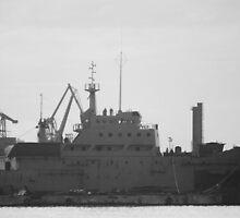 Broken battle ship by MiLaarElle