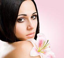 Striking brunette beauty by exvivo