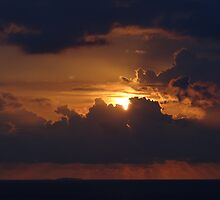 Dramatic Sunset Sequences IV - Sequencias de una dramatica Puesta del Sol by PtoVallartaMex