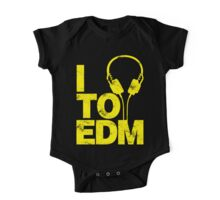 I Listen to EDM (yellow) One Piece - Short Sleeve