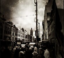 melbourne... fragments: flinders street 6pm by sebastian