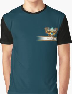 Middle badge Graphic T-Shirt