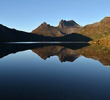 Lake Dove ~ Cradle Mountain by Glenda Williams
