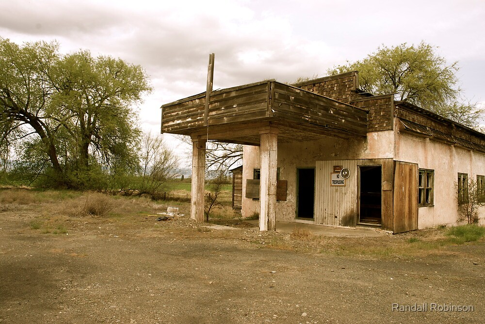 Old Yakima Gas Station by Randall Robinson