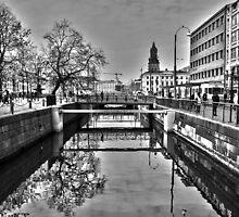 Canal reflection by ClickSnapShot
