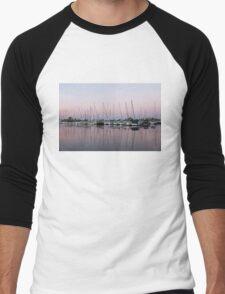 Marina in Pink - Peaceful Boat Reflections Men's Baseball ¾ T-Shirt